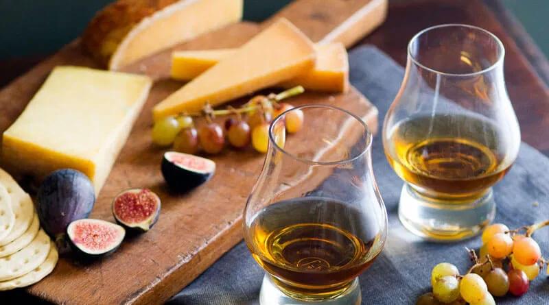 Peynir ile viski içilebilir